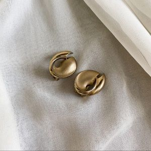 Vintage Matte Gold Chunky Tapered Circle Earrings